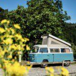 Volkswagen T2 camperbusje in de slaapstand