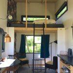 Het hippe interieur van een van de accommodaties van Camping Bij Ons in Groesbeek