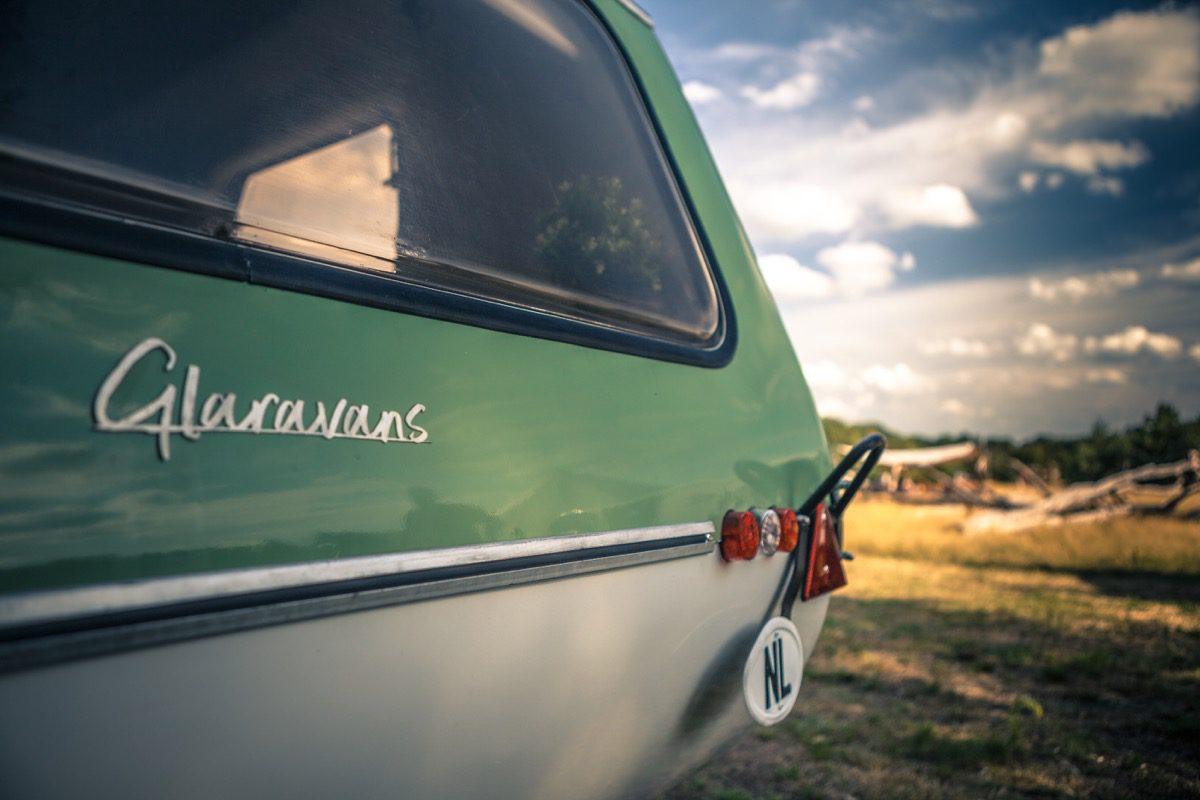 Glaravans Vintage caravan te huur | Bijzonderecamping.nl