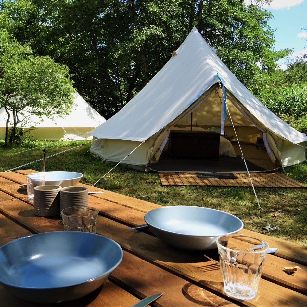 Bell tenten bij Camping de Salviac in het zuidwesten van Frankrijk